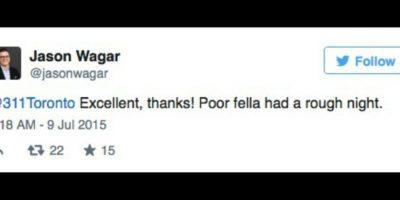 """A lo que el ciudadano respondió: """"Gracias, pobre mapache, tuvo una noche difícil"""". Foto:Twitter.com/JasonWagar"""