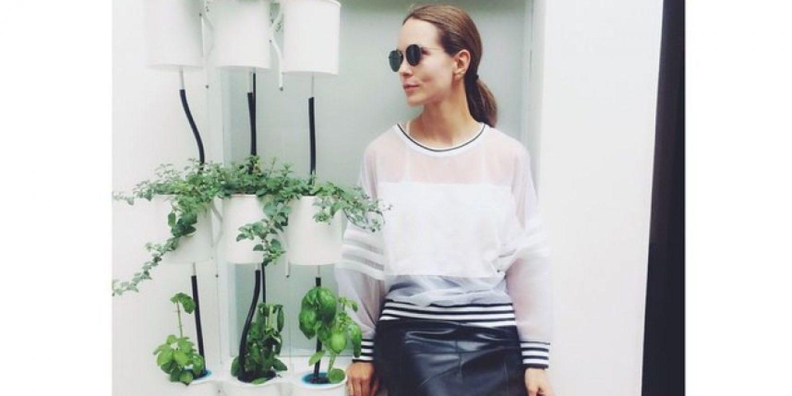 Sin embargo, los toques de diseño con el que se divierte a parecen en sus outfits Foto:Catalina Aristizabal Instagram
