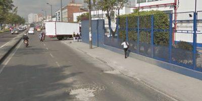 Otro cráter en la avenida 68. Foto:Captura de pantalla Google Street View