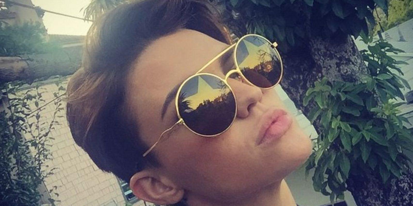 """. Acepta que se puede colocar como """"mujer"""" en este momento y no pretende cambiar su nombre pero, que definitivamente es más una persona transeúnte de ambos géneros Foto:Vía instagram.com/rubyrose/"""