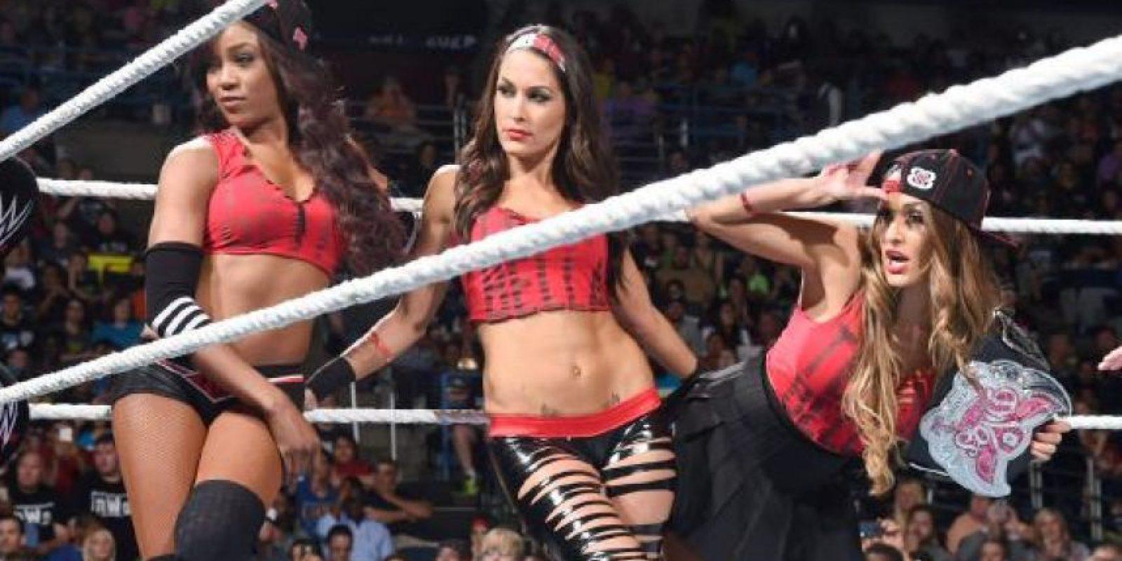 Ahora han hecho una alianza con la exmonarca Alicia Fox Foto:WWE