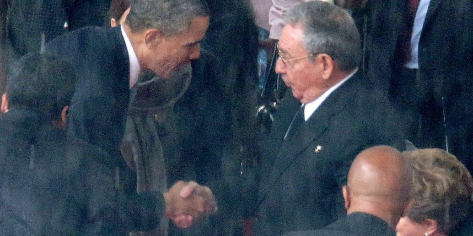 El sábado 11 de abril de 2015, El presidente estadounidense Barack Obama y el mandatario cubano Raúl Castro tuvieron una histórica reunión bilateral, en Panamá. Foto:Getty Images
