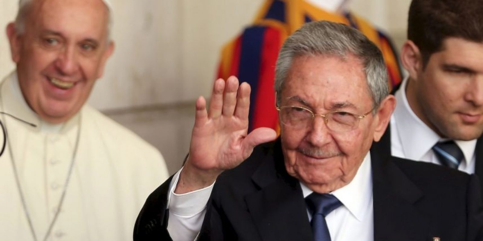 Raúl Castro y el Papa Francisco Foto:Getty Images