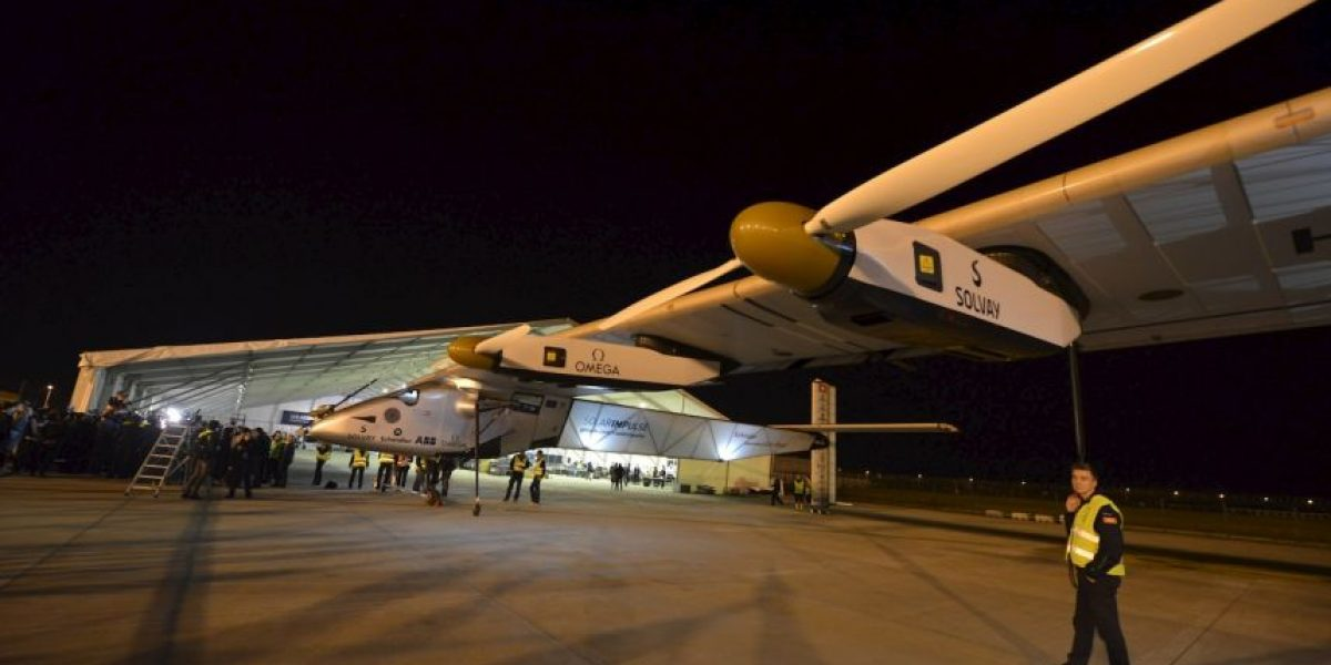 Solar Impulse II no volará hasta 2016