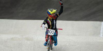 La colombiana fue última en la final de BMX por una caída. Pero se recuperó y cruzó la meta Foto:Getty Images