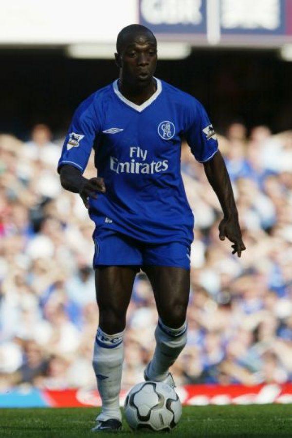 """Fue uno de los """"galácticos"""" de Florentino Pérez, pero en 2003, el presidente del Real Madrid decidió venderlo al Chelsea, donde con 30 años, se convirtió en pieza fundamental de Jose Mourinho en su primera etapa como """"Blue"""". Foto:Getty Images"""