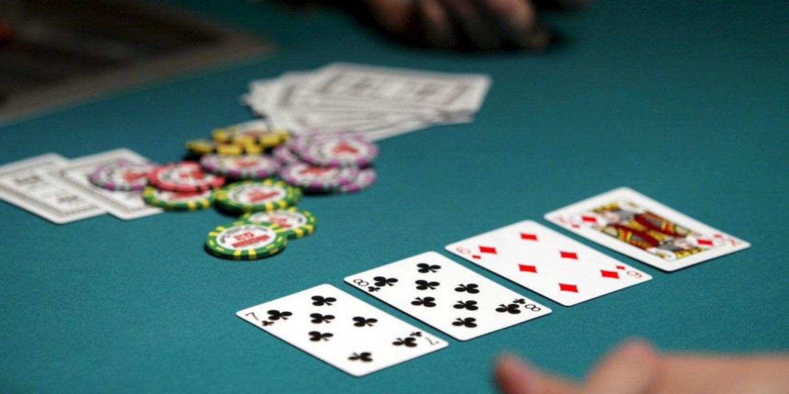 El objetivo es utilizar todas las cartas de la baraja, para construir las cuatro pilas de naipes clasificadas por pintas comenzando por los ases en orden ascendente Foto:Getty Images