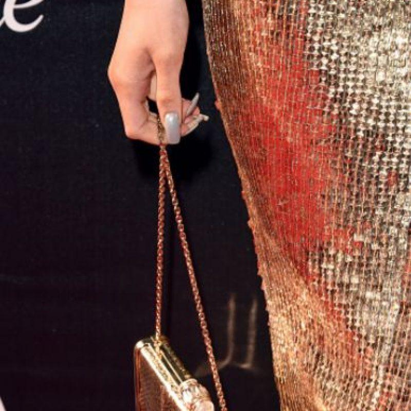 Kylie complementó con un accesorio a juego. Foto:vía Getty Images