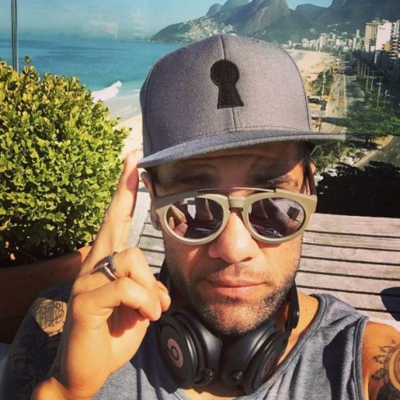 """Sin embargo, pone mucha atención a sus accesorios y siempre usa gafas de sol de marca """"RayBan"""" y """"Citrique"""". Foto:Vía instagram.com/danid2ois"""