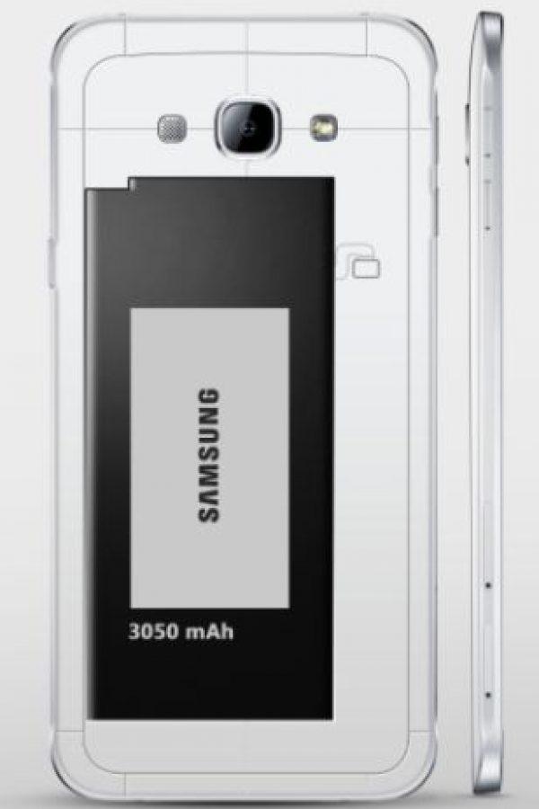 Cuenta con una batería de 3050mAh Foto:Samsung
