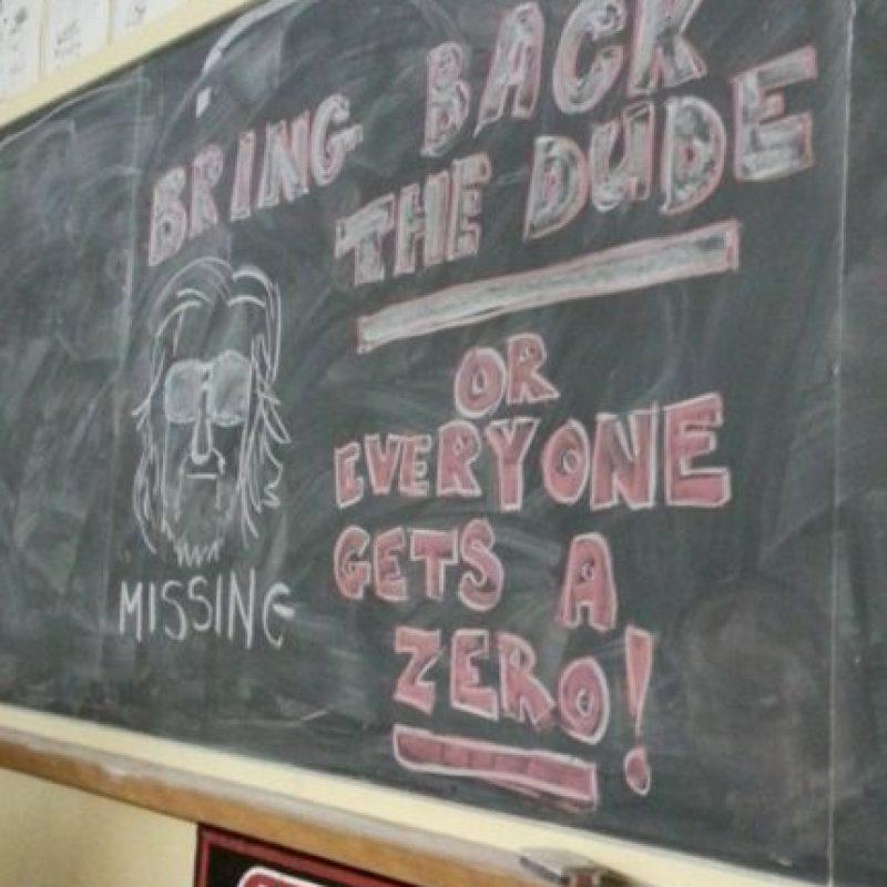 """""""Traigan a su compañero o todos tienen un cero"""". Mejor advertencia no puede existir. Foto:vía Imgur"""