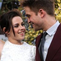 """Esta ruptura fue dolorosa (para las fans), pero al final permitió que ambos encontraran parejas más ajustadas a lo que eran en realidad. Robert Pattinson sacó su lado """"hipster"""" con FKA Twigs. Foto:Getty Images"""