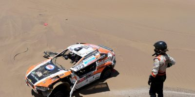 El Rally Dakar no se escapa de estas tragedias. En la edición de 2013, una colisión entre dos taxis y un coche de asistencias de la prueba, dejó un saldo de dos personas muertas y siete heridas. Foto:Getty Images