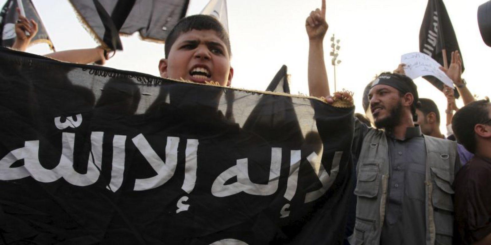 6. Los menores han sido usados para decapitar rehenes y asesinarlos con armas de fuego. Foto:AP