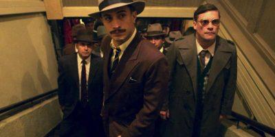 El actor da vida al policía encargado de la búsqueda de Pablo Neruda. Foto:Twitter/GaelGarciaB