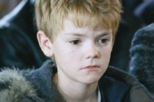 """¿Se acuerdan del niño al que se le muere la madre en """"Love Actually""""? Foto:vía Universal Pictures"""