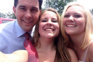 Scott Walker (Partido Republicano) Foto:Vía Twitter.com/PrezSelfieGirls