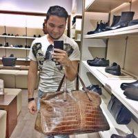 Compran artículos de lujo, como sus pares gringos. Foto:Instgram/RKOMC