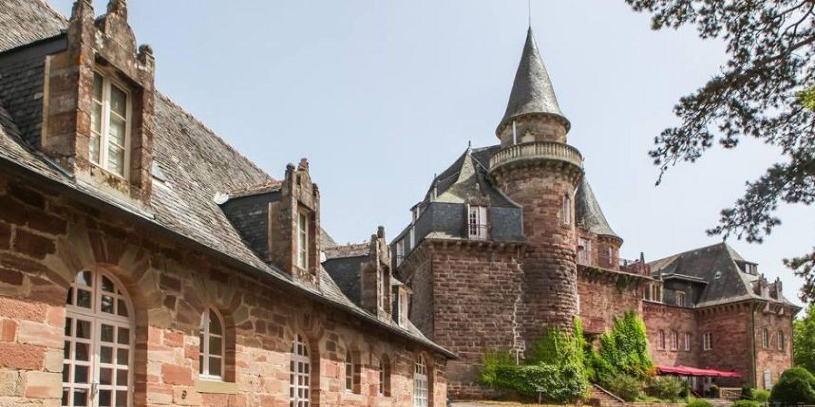 Cuenta con una piscina exterior Foto:Facebook.com/pages/Château-de-Castel-Novel