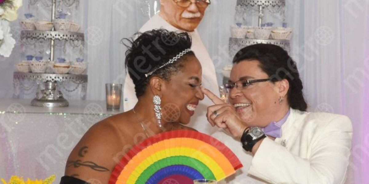 Puerto Rico celebra primera boda entre pareja del mismo sexo