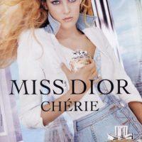 Riley Keough es nieta de Elvis Presley. Foto:vía Dior