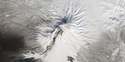 El volcán Shiveluch, en Rusia, desde el Landsat 8 Foto:Vía nasa.gov