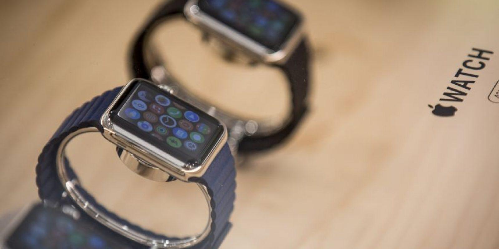 """Re/Code: """"El Apple Watch se afana por la 'alta moda', pero sigue pareciendo como un reloj semitecnológico"""". Foto:Getty Images"""