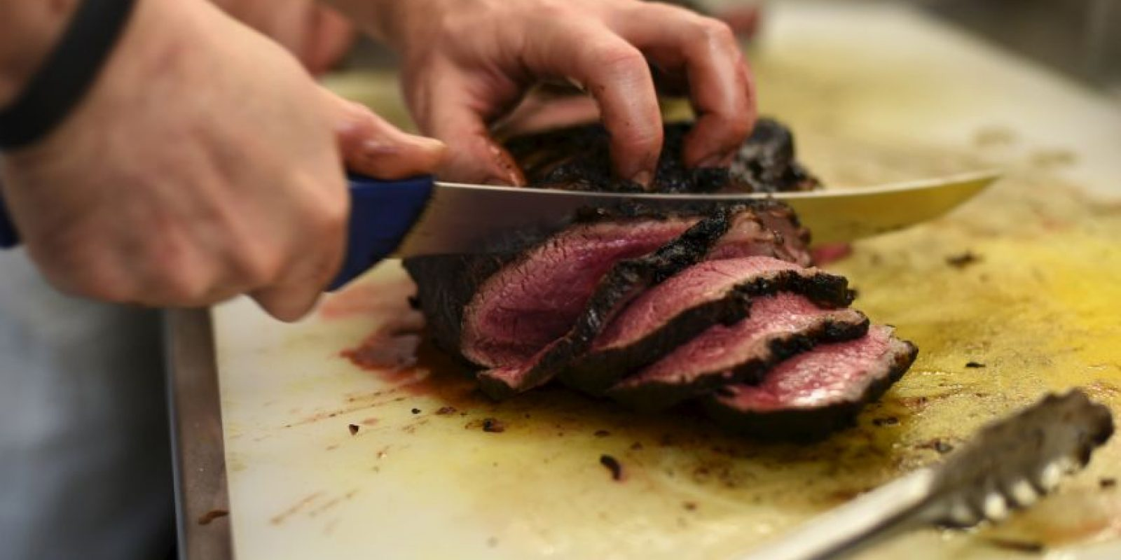 Un ladrón intentó robar una carnicería. Foto:Getty Images