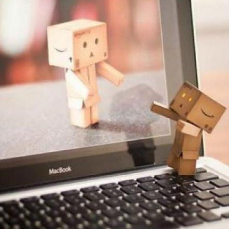 Si uno quiere parar a observar alguna cosa, es mejor hacerlo juntos, o se pierde el sentido de compañía. Foto:Tumblr