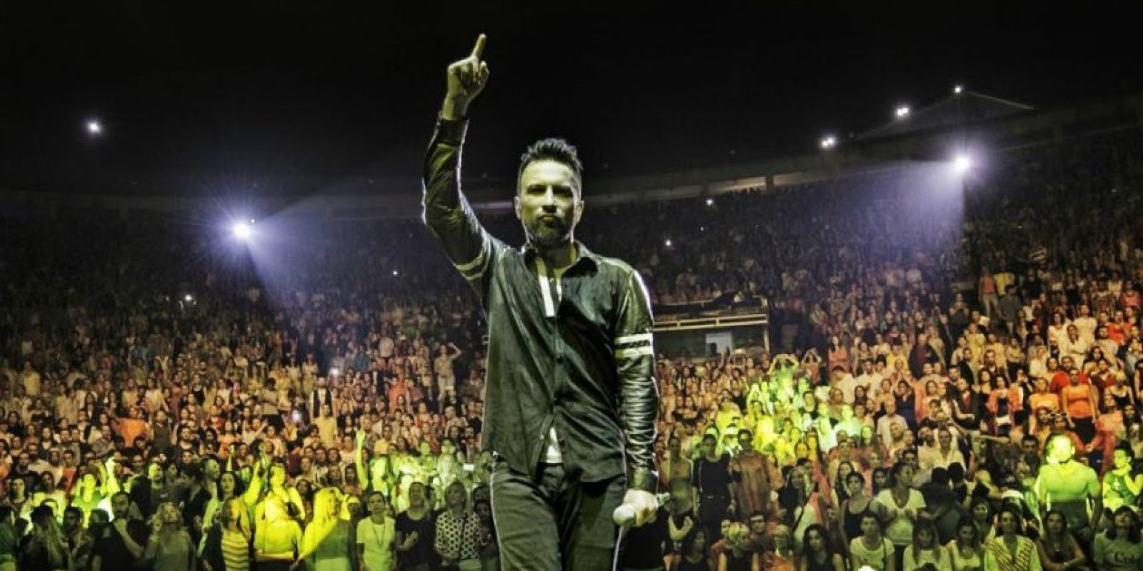 """El cantante es conocido como """"El príncipe del Pop turco"""". En Turquía continúa con su éxito Foto:Vía tarkan.com"""