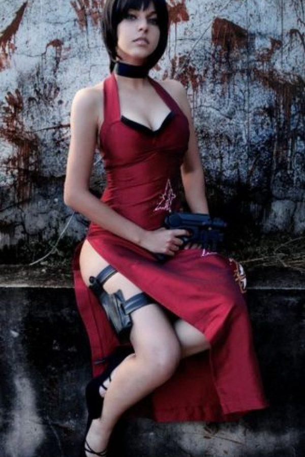 Es una misteriosa mujer estadounidense de rasgos orientales y formidable agente secreta. De acuerdo con la historia, tiene 37 años Foto:Wikia
