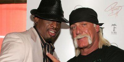 Hulk Hogan ya no es parte de la WWE. La empresa estadounidense sorprendió a los fanáticos de las luchas con la decisión de terminar su contrato con el mítico luchador y también borrar todos sus registros. Foto:Getty Images