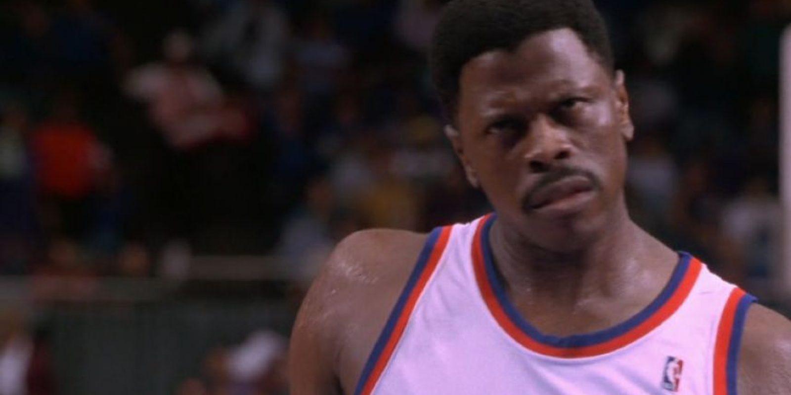 Otro basquetbolista que apareció fue Patrick Knick Foto:vía Warner Bros