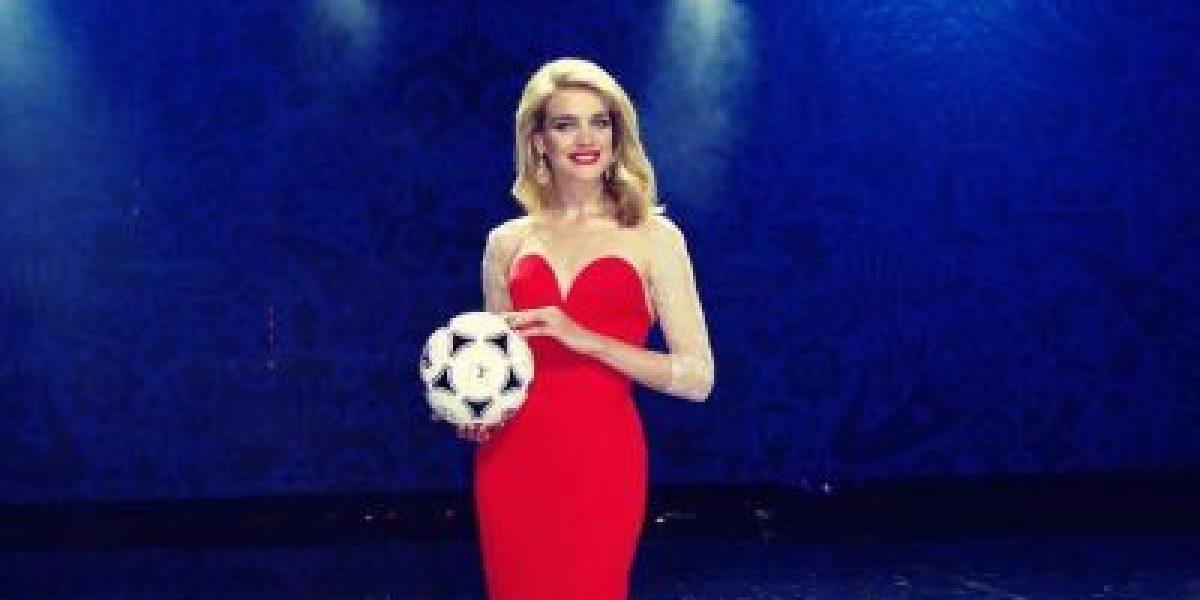 Natalia Vodianova, la modelo rusa que impactó en el sorteo del Mundial