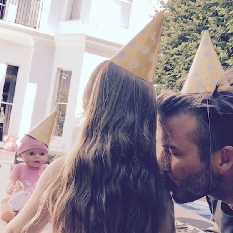 Recientemente se tatuó el año en que se casó con Victoria Beckham Foto:Instagram/DavidBeckham