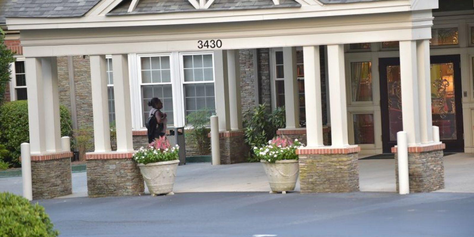 Posteriormente, se le prohibió a todos los miembros de la familia Brown que visitaran a Bobbi, a raíz de que intentaran vender una fotografía en la que la hija de Whitney Houston aparecía inconsciente en una de las camas del hospital. Foto:Getty Images