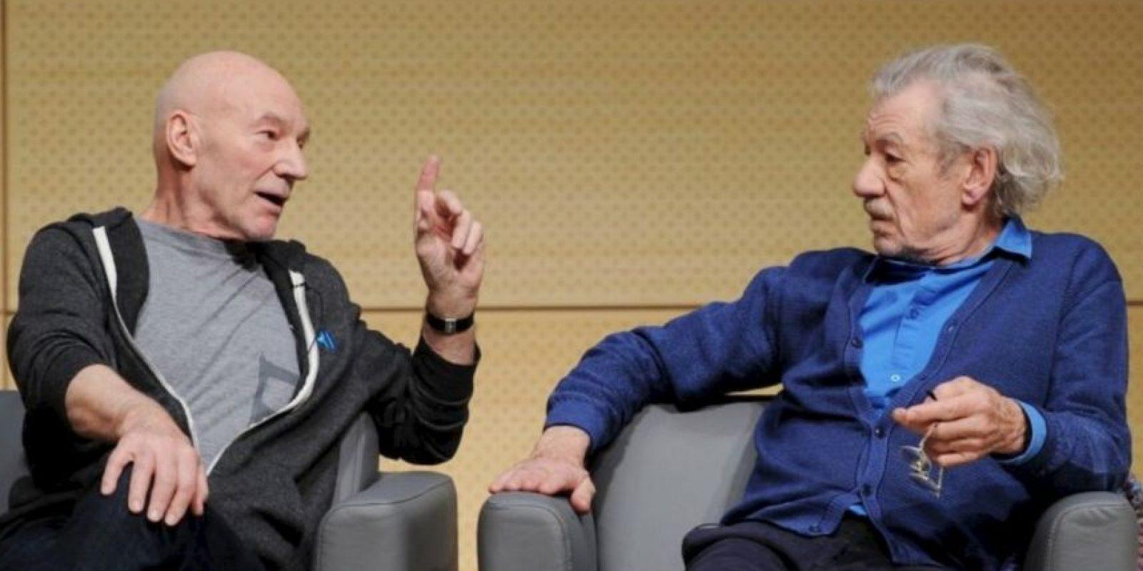 """Patrick Stewart e Ian McKellen. Los actores confesaron haber visto al fantasma de John Baldwin Buckstone, un famoso dramaturgo de mediados del siglo XIX, mientras interpretaban la obra """"Waiting for Godot"""" en el teatro Royal Haymarket. Foto:Getty Images"""
