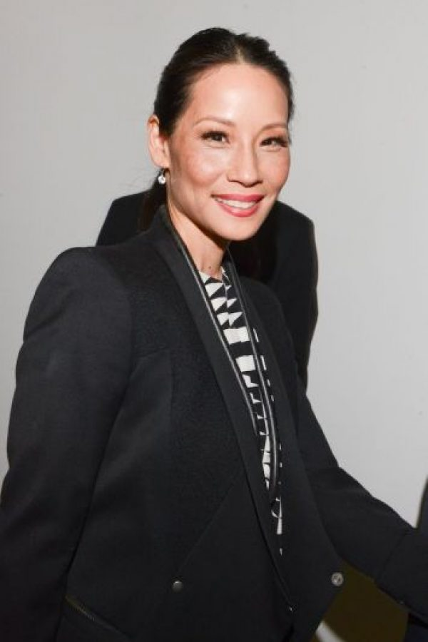 """La actriz de """"Los Ángeles de Charlie"""" le aseguró al experto de estilo Simon Donan que le gustaría ser congelada criogénicamente al morir, esto para cumplir su fantasía de despertar en el armario de la diseñadora Nan Kempner. Foto:Getty Images"""