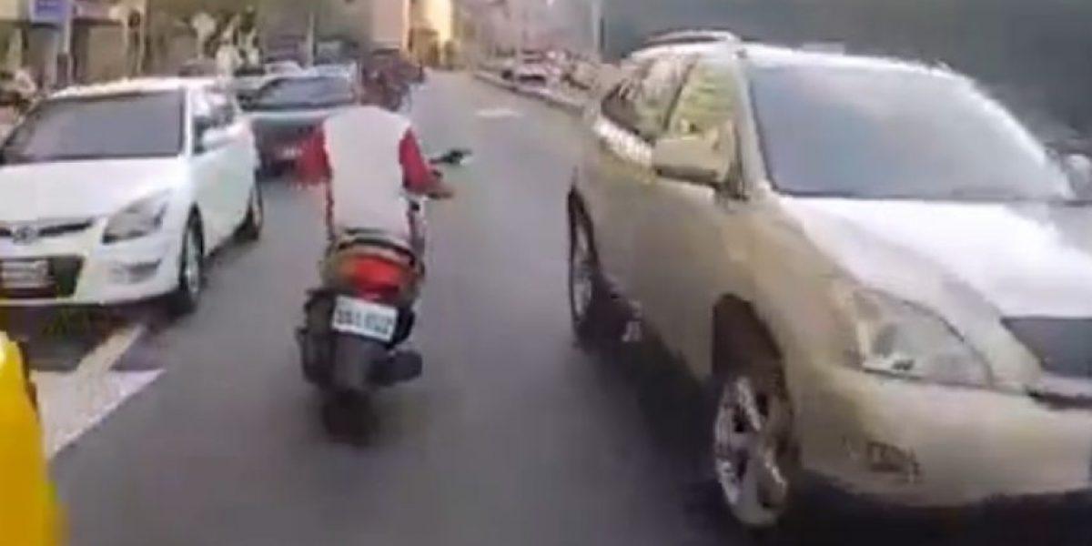 VIDEO: Por querer huir de la policía sufrió impactante accidente
