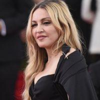 Por años, la cantante se ha encargado de mantener un rostro fresco y juvenil. Sin embargo… Foto:Getty Images