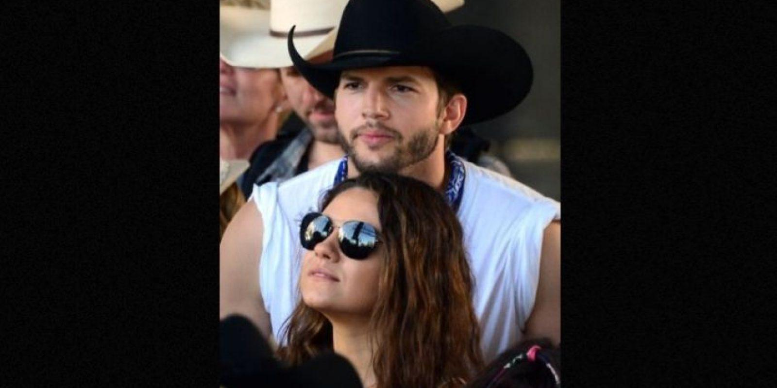 """Mila Kunis y Ashton Kutcher emprendieron acciones legales en contra del periódico británico """"Daily Mail"""" Foto:Getty Images"""