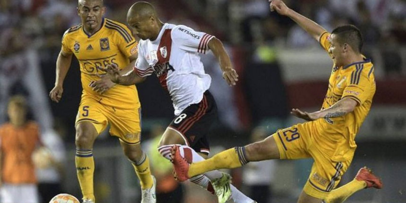 Tigres de México y River Plate de Argentina se enfrentan por el título continental. Foto:facebook.com/pages/Copa-Bridgestone-Libertadores-2015