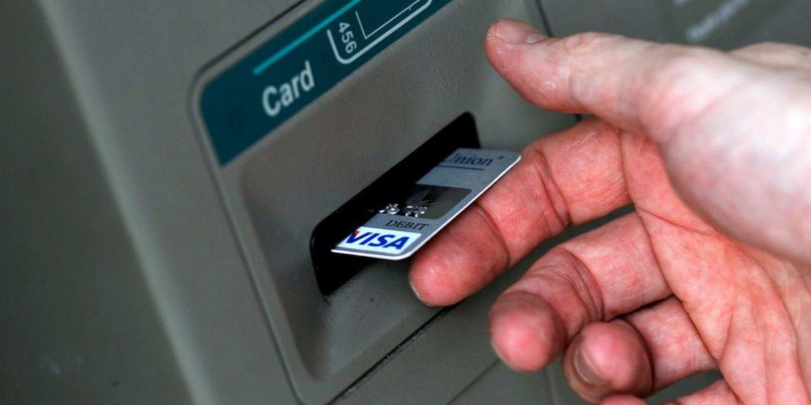 Según la firma de seguridad Symantec, ciberdelicuentes han encontrado un método para robar dinero de cajeros automáticos enviando SMS Foto:Getty Images