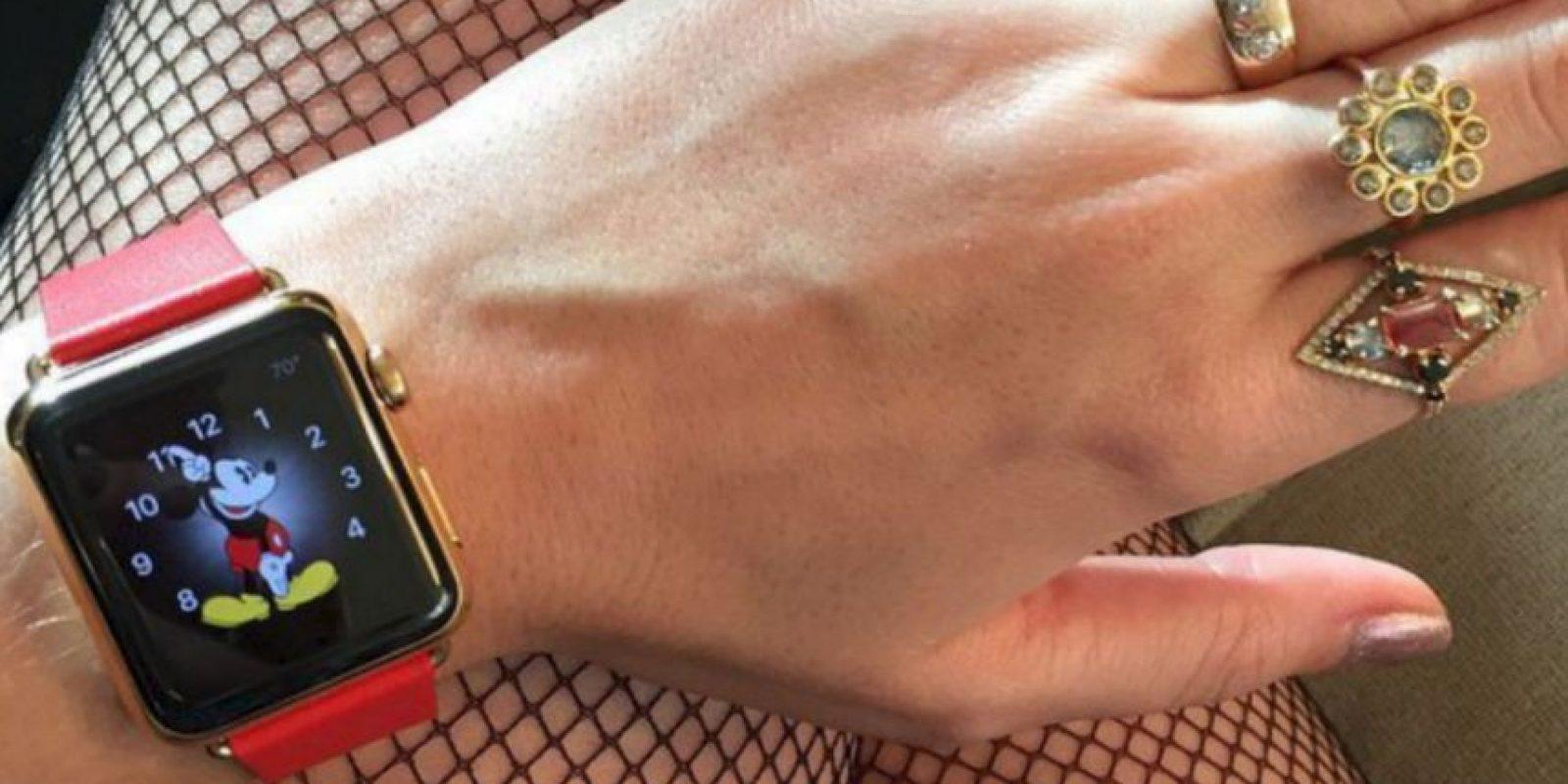 """Apple está analizando la posibilidad de introducir nuevos modelos de la gama de correa de acero con un costo entre los mil y 10 mil dólares, cuyo posible nombre sea gama """"Premium"""" Foto:Instagram/Katy Perry"""