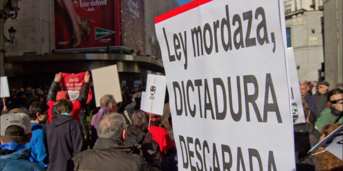 Ley Mordaza: Hombre publicó insultos y lo multaron