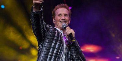 El cantante mexicano Emmanuel tiene 60 años. Foto:Vía facebook.com/EmmanuelOficial