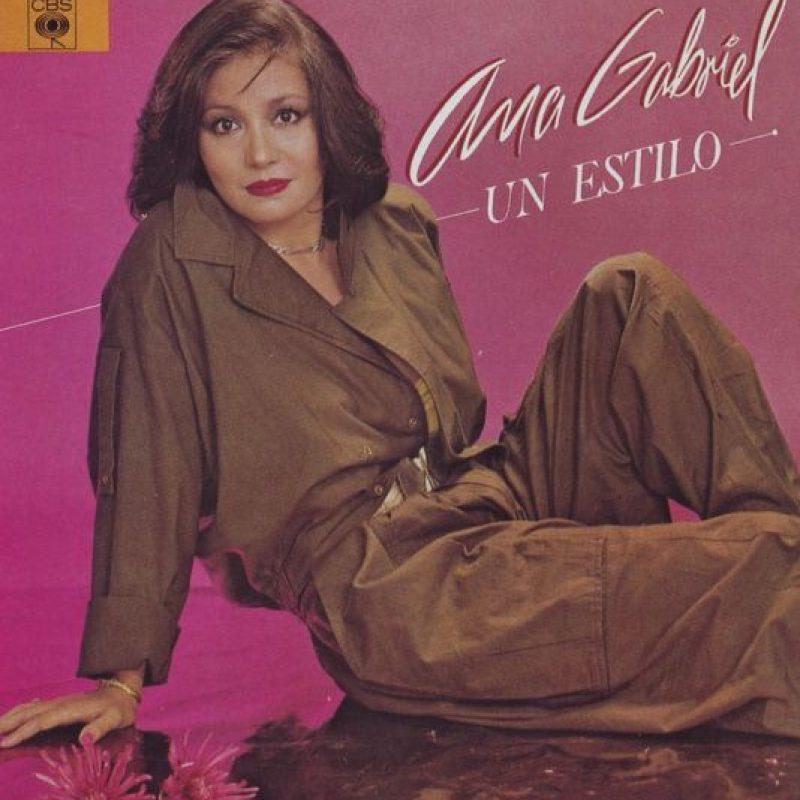 """El primer álbum de Ana Gabriel fue """"Un estilo"""" en 1985. Foto:Tumbrl"""