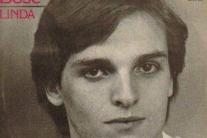 """Miguel Bosé grabó su primer álbum titulado """"Linda"""" en 1977. Foto:Tumbrl"""