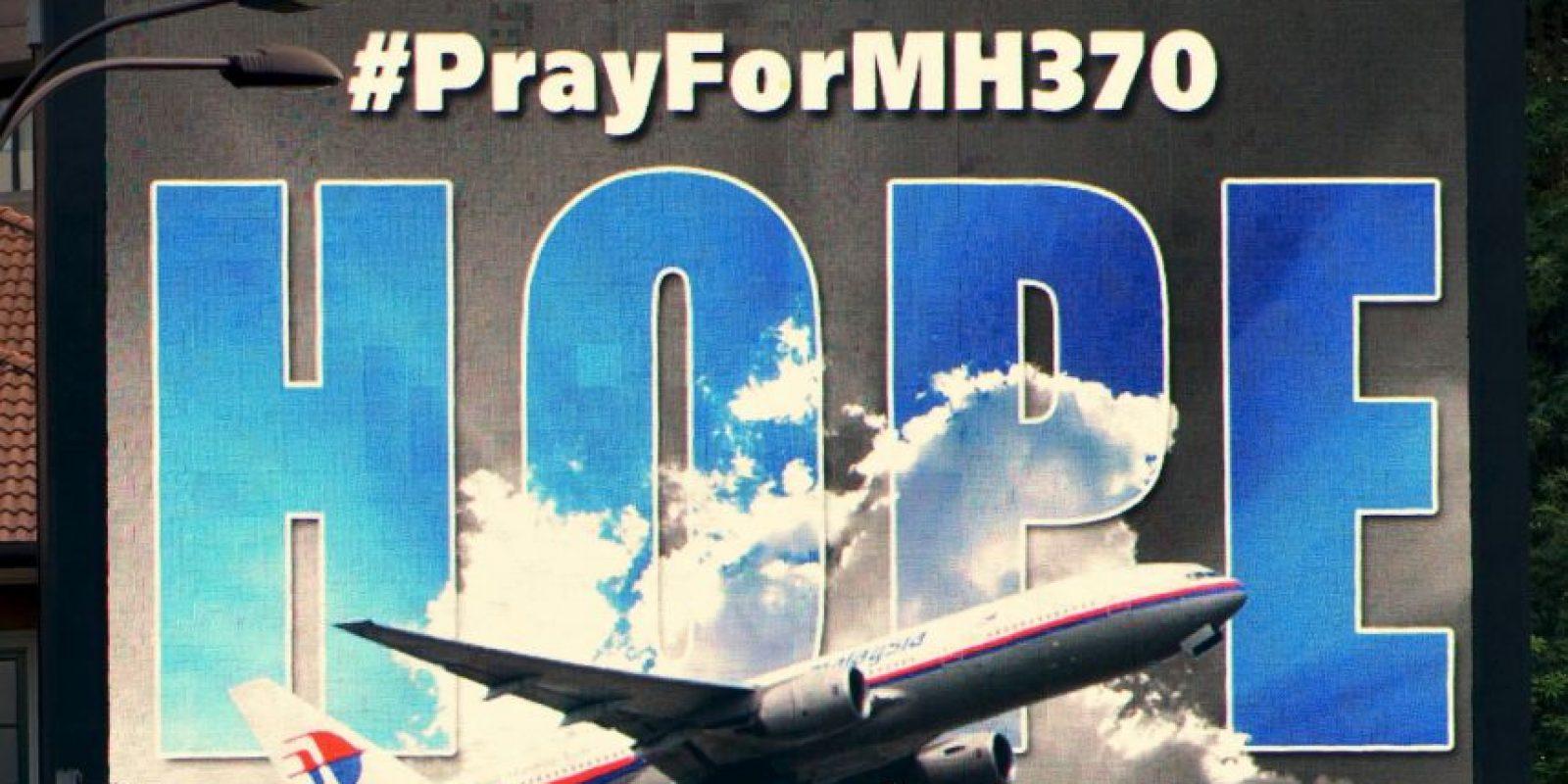 Usuarios de redes sociales crearon el hashtag #PrayForMH370 Foto:Getty Images