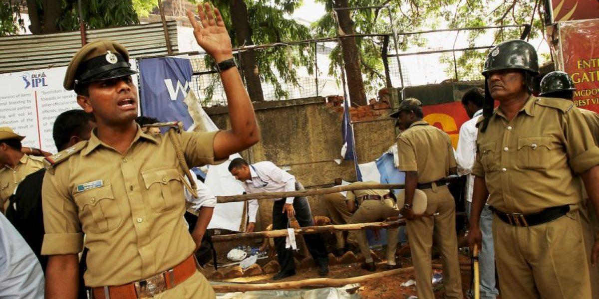 Mueren nueve personas tras derrumbe de edificio en la India
